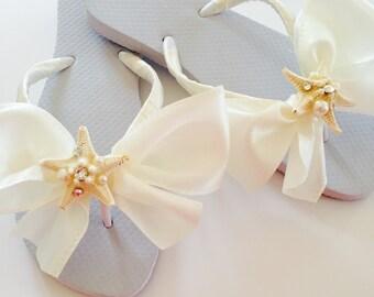 Bridal Flip Flops.Wedding Flip flops. Bridal Bowz Flip Flops.Ivory Flip Flops.Beach Wedding.Destination Wedding.Seashell Accessories.