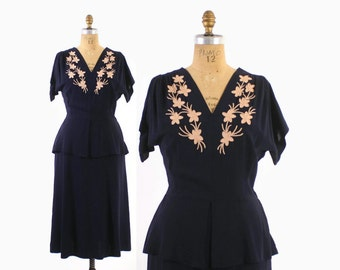 Vintage 40s Rayon DRESS / 1940s Navy Blue Pale Pink Floral Applique Peplum Dress M