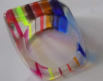 Vintage ring, size 8 & 1/2  ring,striped lucite 1960's boho ring, multicolor ring, vintage jewelry