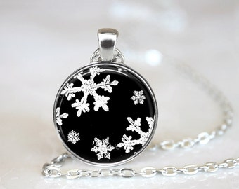 Christmas Necklace Snowflake Necklace Christmas Jewelry Glass Tile Necklace Snowflake Jewelry Snowflake Silver Jewelry Glass Tile Jewelry