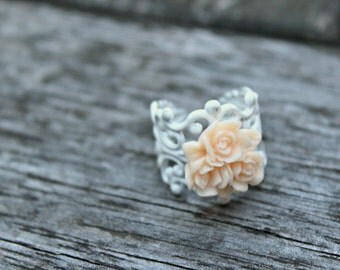 Peach Bouquet Ring