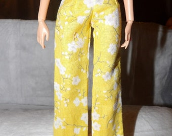 Fashion Doll Coordinates - Yellow & white floral patterned pants - es327