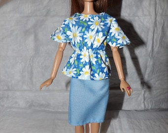 Blue & white Daisy print top and solid blue skirt for Fashion Dolls - ed868