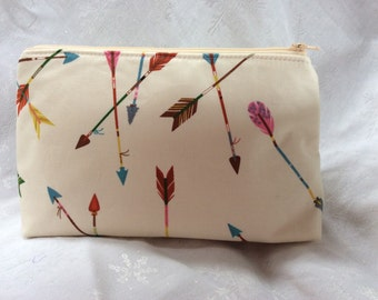 Arrow Print Makeup Cosmetic Bag