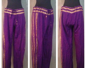 70% OFF CLOSING SALE Vintage 1970s Purple Gold Alka Designs Marco Polo Rayon Harem Pants India S (d)