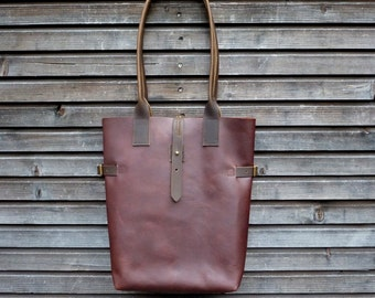 Leather tote bag / shoulderbag made from oiled leather and waxed handles and closure