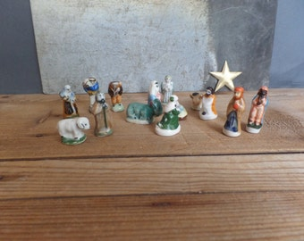 14 French traditional porcelain Feves  Nativity set  Miniatures  Santons