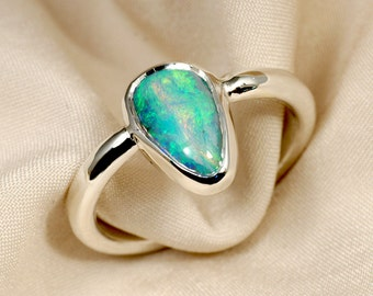 Opal Ring in Sterling Silver - Green and Yellow Fire