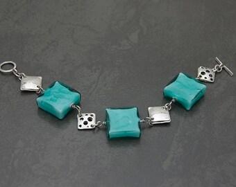 Seafoam mint Murano glass sterling silver bracelet. Venetian glass beaded sterling silver bracelet. Summer bracelet. Summer fashion style.