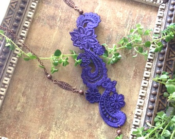 lace necklace -ZELLA- purple - burnt orange
