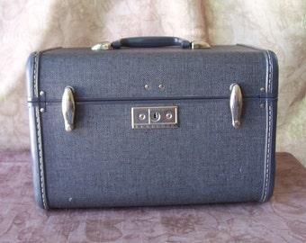 Vintage Samsonite train case gray tweed look.  R395-3