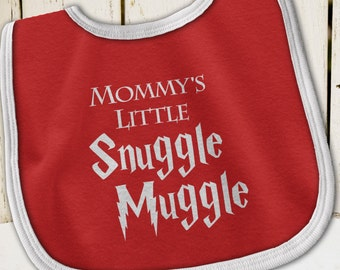Harry Potter Baby, Mommy's Little Snuggle Muggle, Harry Potter Bib, Harry Potter Baby Clothes, Harry Potter, Harry Potter Baby Gift