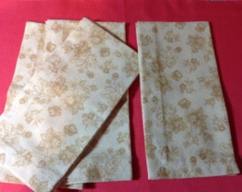 Cloth Dinner Napkins, Set of 4 Napkins,  Beige Napkins, Cotton Dinner Napkins, Dinner Napkins