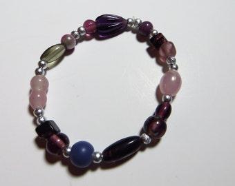 Violets are purple beaded stretch bracelet