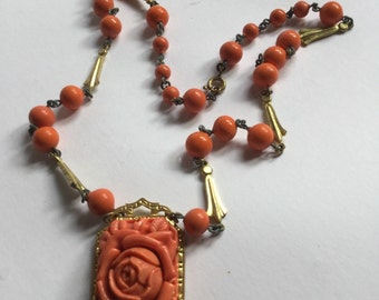 Lucite tangerine floral beaded necklace with pendant   VJSE