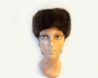 ON SALE Vintage 1960s genuine mink fur Russian style pillbox hat