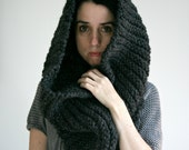 Large Chunky Cowl in Charcoal /THE T.O.Warmer