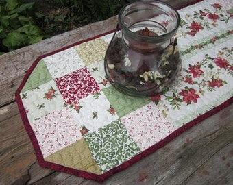 Christmas tablerunner,