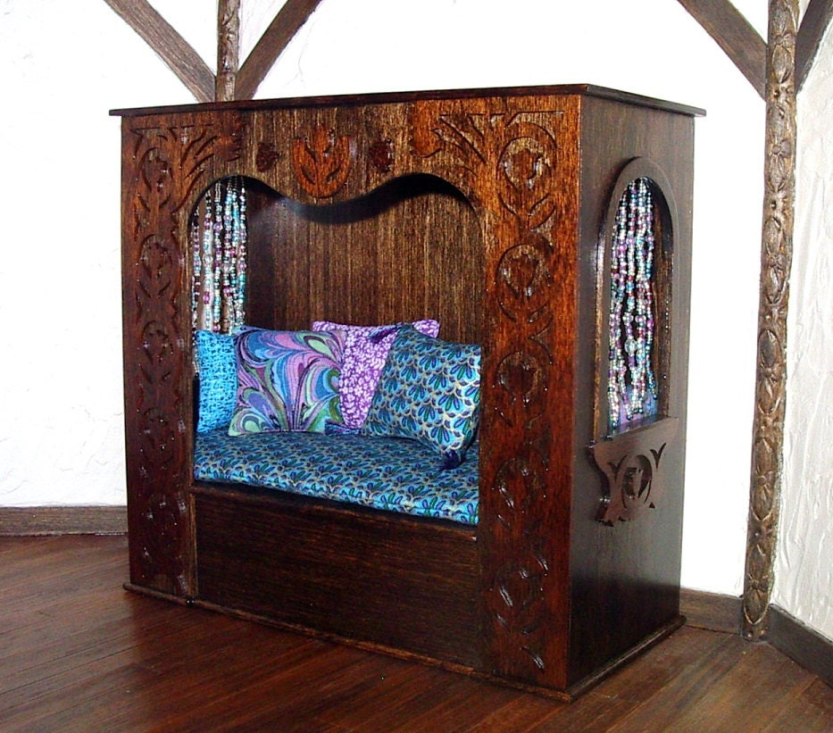 Canopy Daybed Medieval Fantasy Dollhouse Miniature 1 12