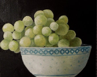 Green Grapes in Chinese Bowl