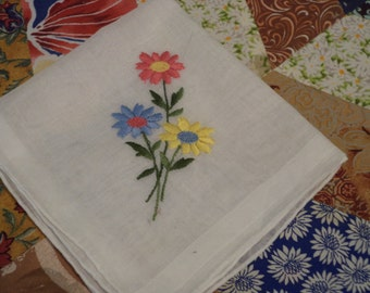 Vintage Hankies, Daisies, 10.5 inches square,