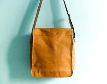 Vintage Messenger Bag Leather Man Women Crossbody Satchel Distressed Soft Slouchy Leather Caramel Brown