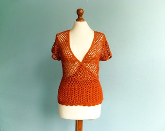 Vintage rusty orange top blouse / crochet crocheted / short sleeves / layering / waist fitted / hippie boho / medium