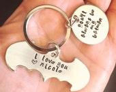 Batman Keychain, Valentine Gift Men, Batman Gift, Fathers Day Gift, Batman Keychain, Boyfriend Gift, personalized Keychain, natashaaloha