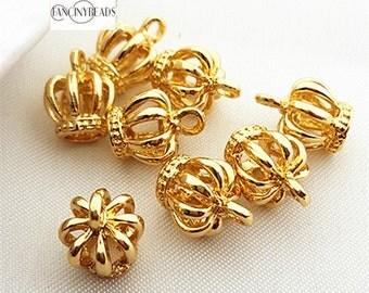 Wholesale-cute-mini three D gold crown charms-50 pcs-T0929-not easily tarnish