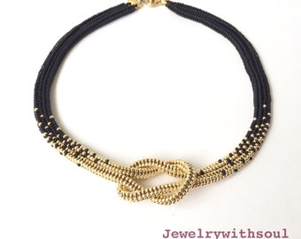 Black and gold love knot necklace, beadwoven ombre necklace, gift for her, infinity knot seed bead necklace, beadwoven jewelry