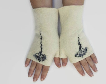 Felted Fingerless Gloves Fingerless Mittens Arm warmers Wristlets Merino Wool Black White