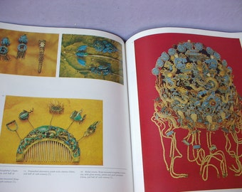 Vintage A History of Jewels and Jewellerey book by Ingrid Kuntzsch, Large Hardcover, Antique jewelry, art nouveau, Queen, Rococo Baroque