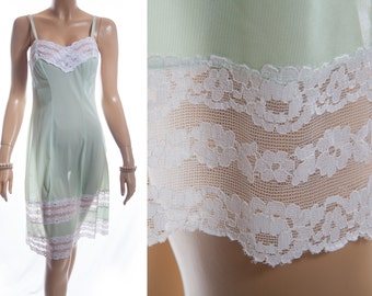 Attractive 'Charmor' silky soft really sheer pale mint green nylon and delicate white lace detail 1960's vintage full slip petticoat - 3494