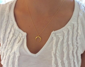 Gold Necklace, Gold Moon Necklace Dainty Gold Necklace Best Friend Gift Birthday Gift Moon Necklace Gold, Horn Necklace, Girlfriend Gifts