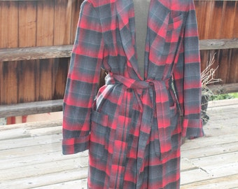 Vtg. Wool Pendleton UNISEX long Robe men medium women large RED PLAID