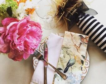Table Linens/Napkins/Dinner Ware/Hostess Gift/Wedding gift/Set of 4