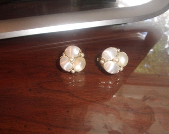 vintage clip earrings silk glass bead clusters faux pearls goldtone