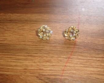 vintage clip on earrings goldtone ribbon rhinestones