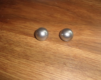 vintage clip on earrings gray lucite circles
