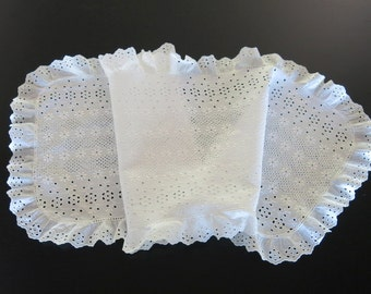 White Cotton Runner Broderie Anglaise Embroidery Ruffled Edge 126b
