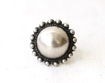 VC-52, Southwestern, Native American vintage round shaped concho sterling silver ring