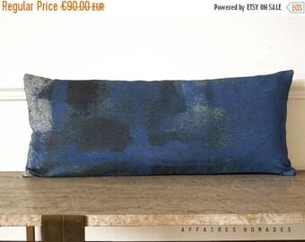 ON SALE Modern decor. Royal blue lumbar pillow.  Linen & velvet decorative long pillow. Vintage influence pillow. Hidden .. / RETRO-Modern