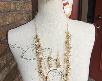 Light gold chunky long necklace bracelet and earrings set. pearl jewelry, one of a kind. long necklace, multi strand.