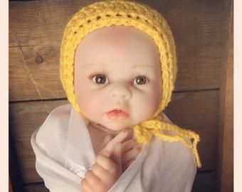 Beautiful summer yellow bonnet. Size newborn. Great photo photography prop. Uk seller