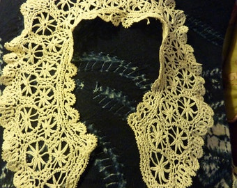 antique lace collar and cuffs