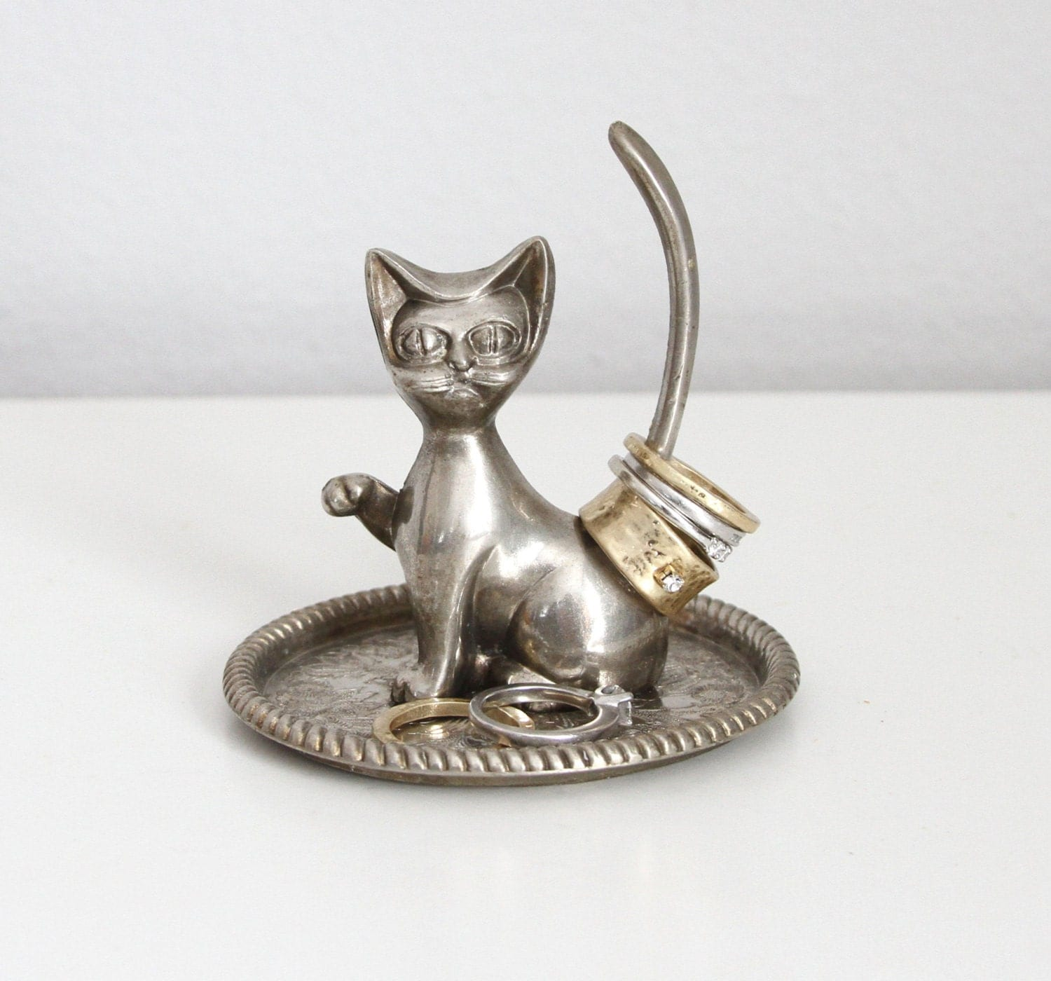 kitschy cat ring holder silver plate ring holder silver