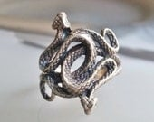 MEN, WOMEN RING: Realistically Captured Intertwining Snakes with Genuine Diamond Eyes in Oxidized Sterling Silver