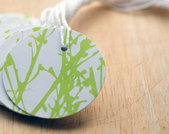 Green & White Circle Tags, Gift Tags, Favor Tags, Hang Tags, Gift Wrapping, Journaling, Scrapbooking, Price Tags, Wedding Favors, Floral Tag