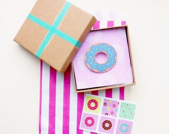 Cute Illustrated Doughnut with Sprinkles Brooch - Blue