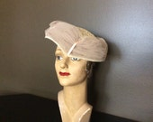 Vintage Women's Tulle  Net Wrapped and Lace Hat, Vintage Fashion Hat, Vintage Millinery, Vintage Forties Hat